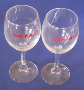 6 verres a vin/champagne publicitaires PIPER HEIDSIECK 24CL